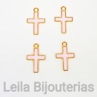 pingente Cruz com Resina Rosa Bebê 13mm X 11mm Dourada 4 unidades